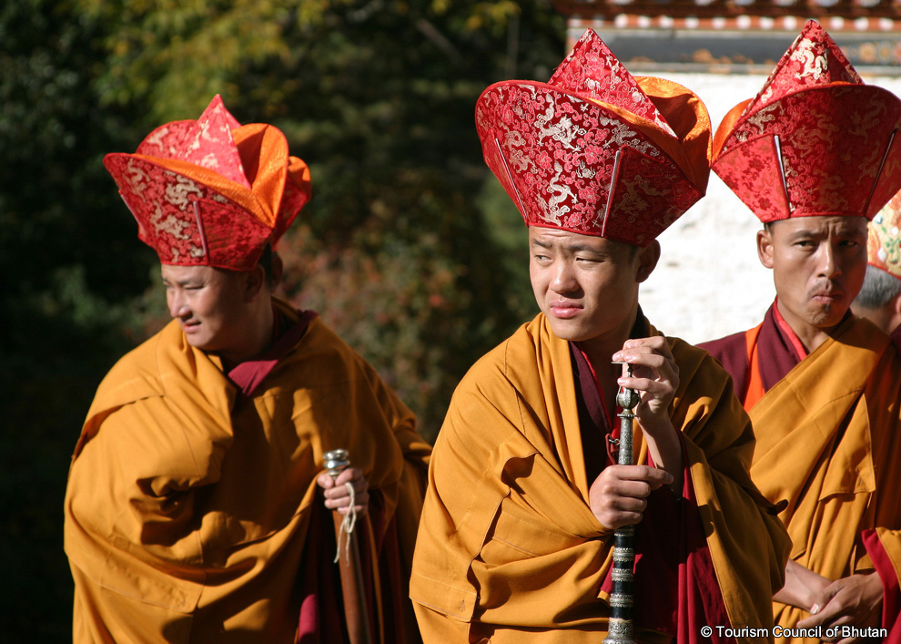 the culture beliefs and traditions of buddhist monks At the same time, it will also be very difficult for buddhism to restore its influence as an active, living religion for the majority of the people as in the past, although it should continue to preserve its customs and traditions among the japanese people.