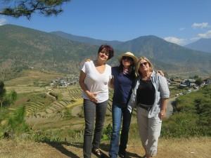 Sheila, Laura & Rosa enroute Chimi Lhakhang